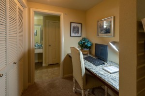 Two Bedroom Apartments for Rent in Conroe, TX - Model Desk Nook